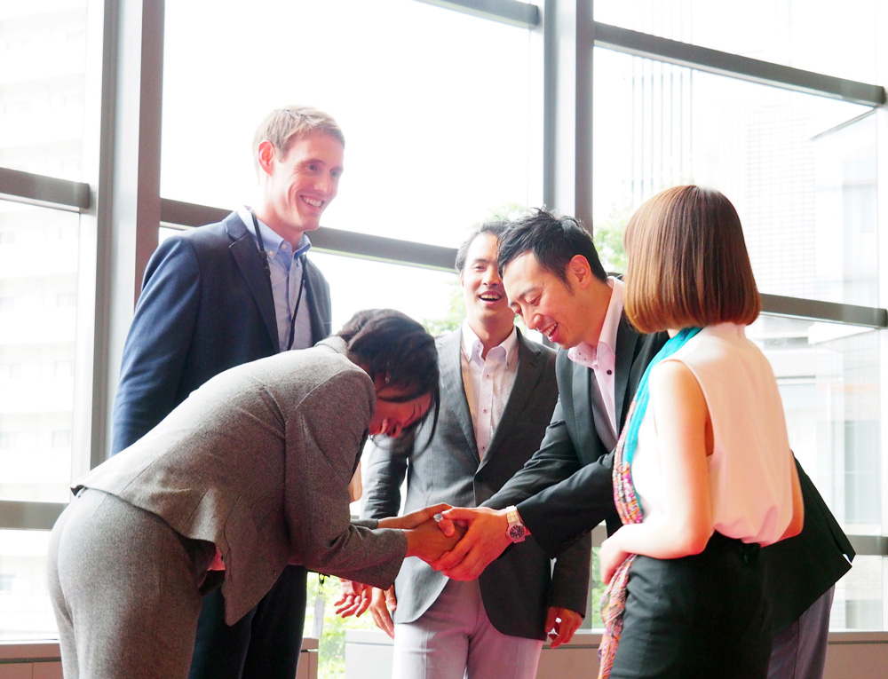 12 tips for Asian business meetings from an international protocol expert